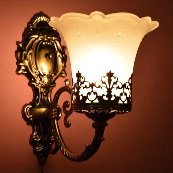 Antique Design Wall Light
